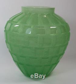 Daum France'Rhythms' Green Pate de Verre Heavy Glass Vase. Estate of Anne Anka