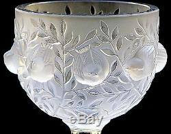 Exquisite Frosted Lalique Crystal'Elizabeth' Vase