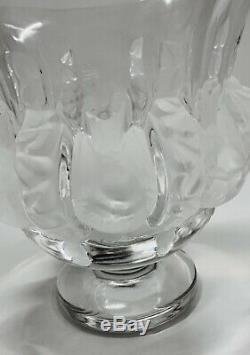 Lalique Dampierre Birds Vase Satin Birds Crystal designer Marc Lalique. (1984)