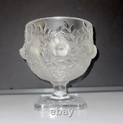Lalique France Art Elizabeth Footed Frosted Bird Vase