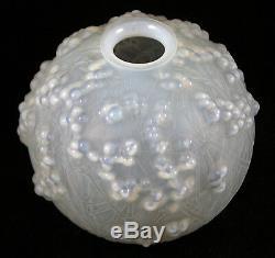 Lalique Gui de Chene Vase