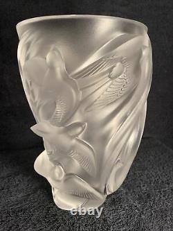 Lalique Martinets Vase Mint Condition, Signed Original
