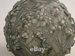 Lalique Vase Purple Cranberries 1920/30 Large Rare Shape & Design, French