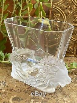 Large LALIQUE France Venise Double Lion Clear Frosted Crystal Vase PERFECTION