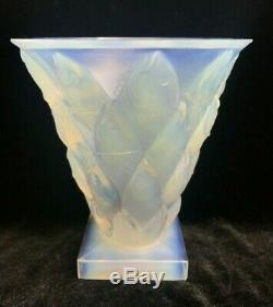 Opalescent Sabino France Glass Art Vase Poissons Leaping Fish Motif