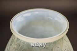 Rene Lalique Borromee Opalescent Vase C1928