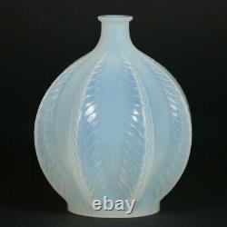 Rene Lalique Opalescent Glass'Malines' Vase